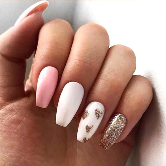 valentines-day-diy-manicure-ideas-golden-heart-tips-min
