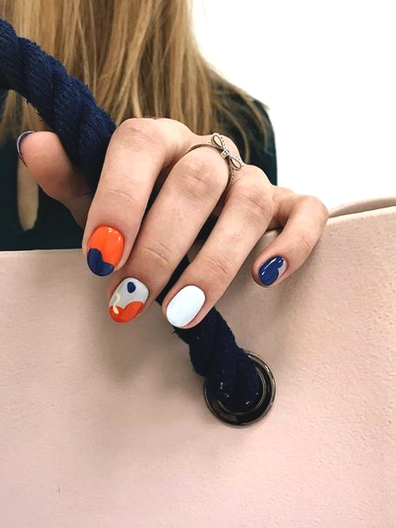 valentines-day-diy-orange-contrast-nail-design