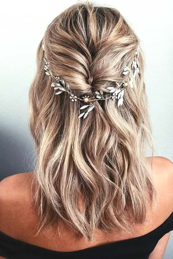wedding-hair-for-medium-lenght-hair-min