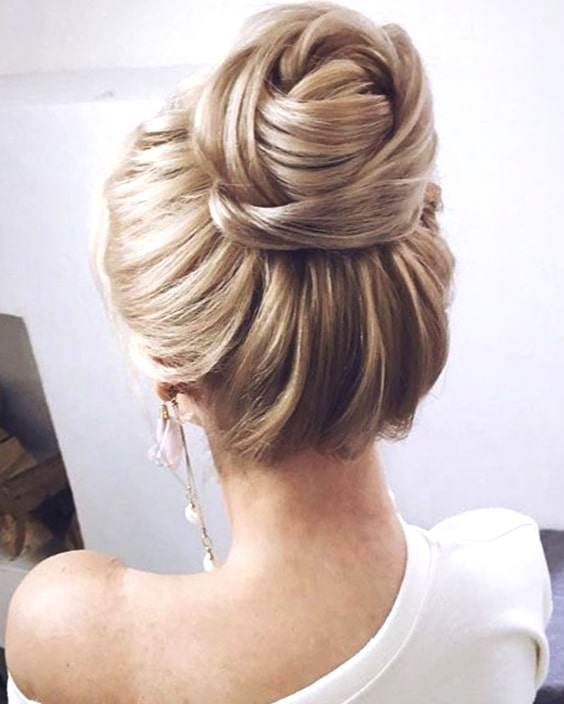 wedding-hairstyle-high-bun-min