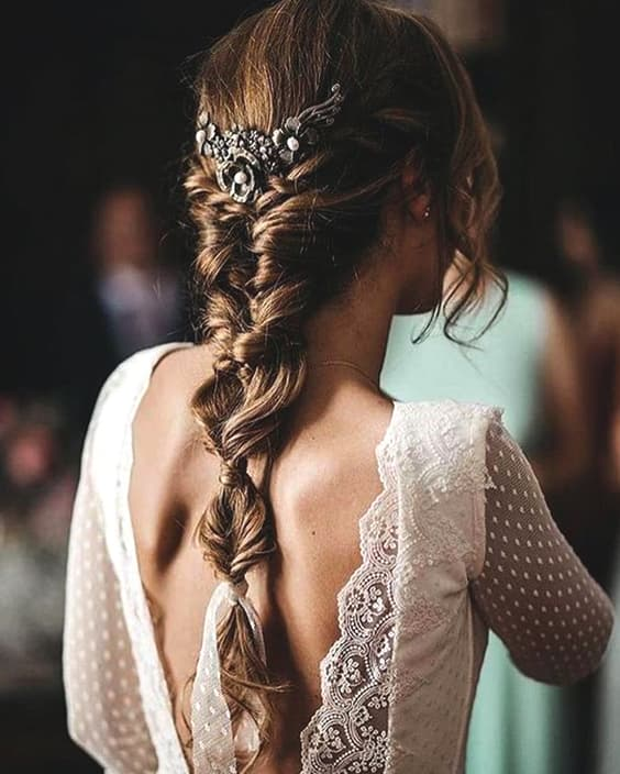 wedding-hairstyles-for-long-hair-min