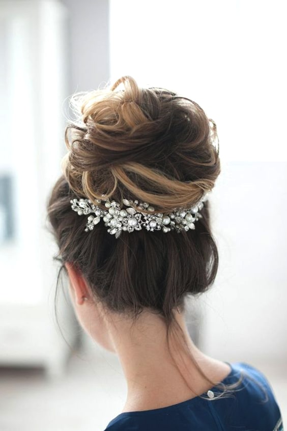 wedding-hairstyles-high-bun-min