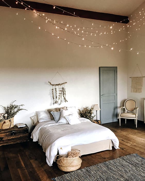 bohemian-modern-bedroom-design-min
