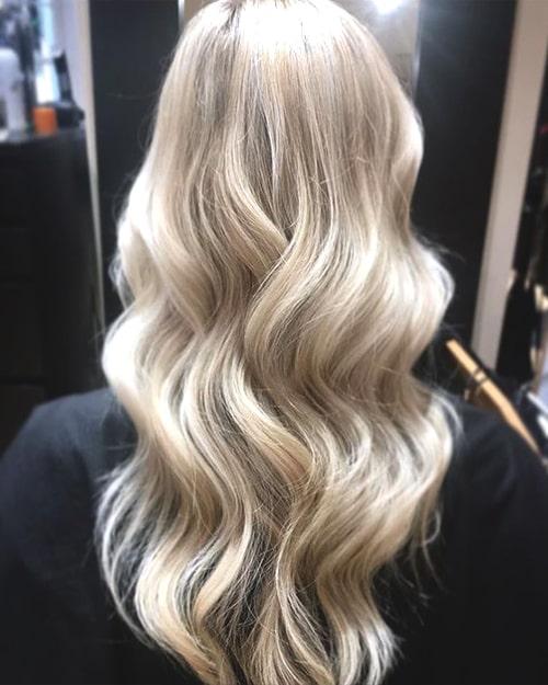 champagne-blonde-hair-trend-min