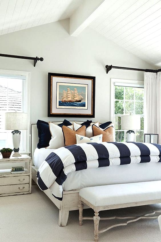 coastal-beach-house-bedroom-design-idea-min
