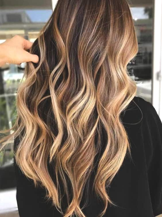 golden-highlights-spring-hair-min