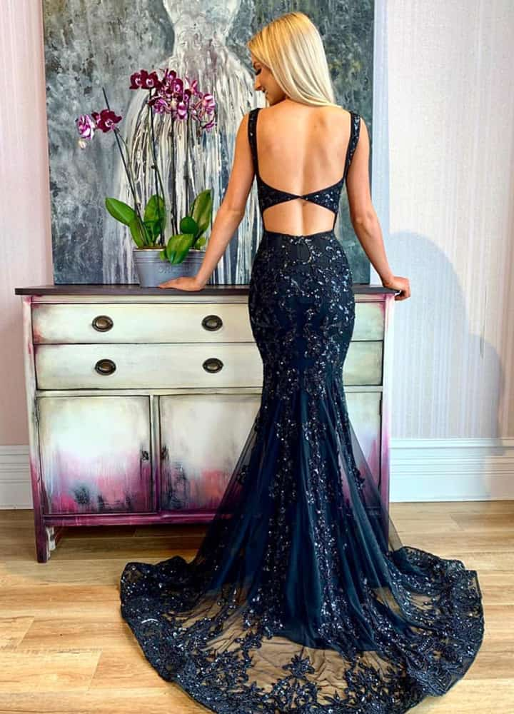 63 Fashionable Prom Dresses That Make You The Queen Of Prom Night