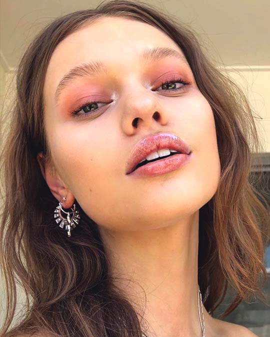 10 Ultimate Summer Makeup Trends That Are Hotter Than The Summer Days